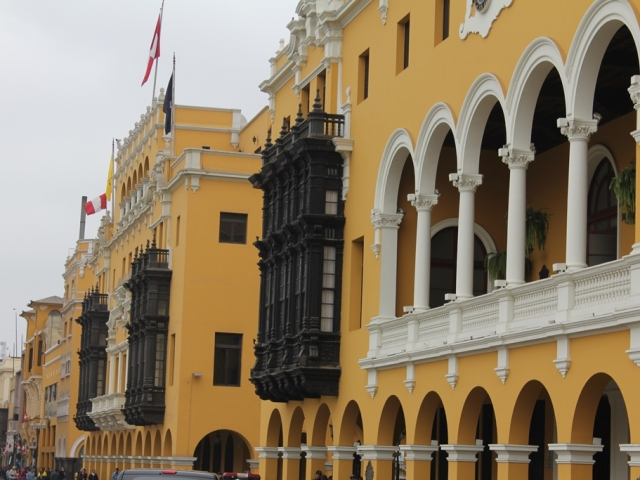 Center of Lima