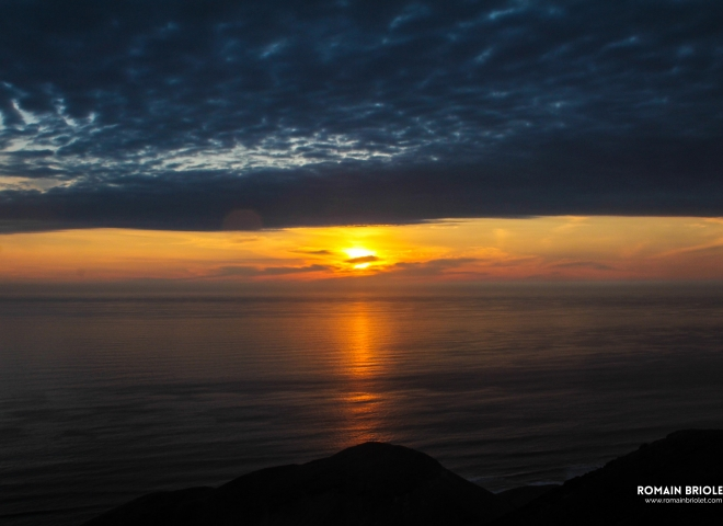 Sun goes down on Pacific Ocean